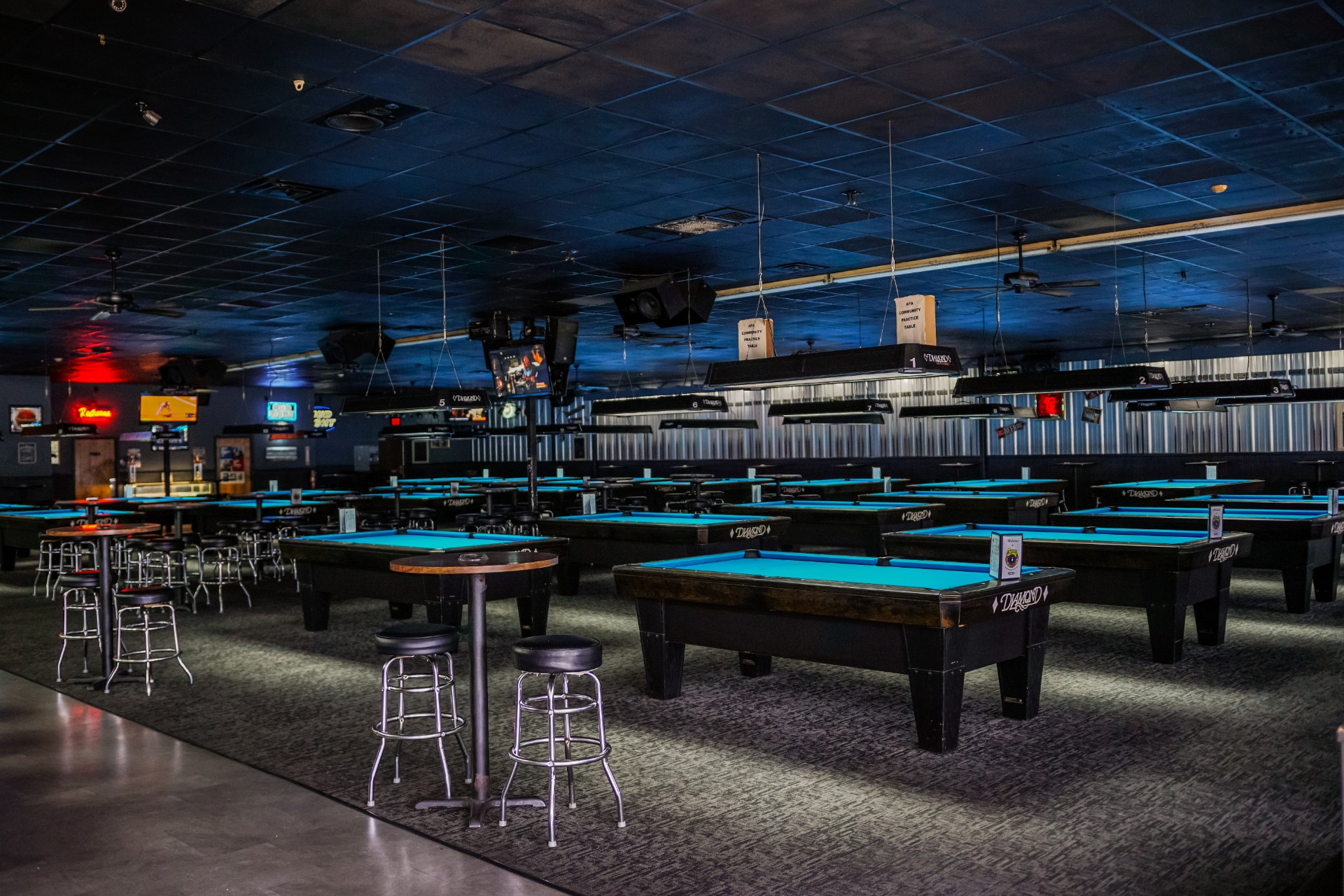 Bumpers-Billiards_Huntsville_Pool-Hall-Bar-Grill-5